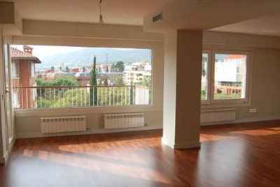 Apartment with 200 m2 terrace in uptown area of Barcelona